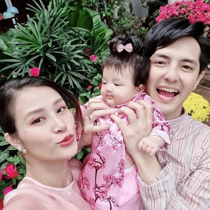 Đông Nhi - Ông Cao Thắng không tiếc tay sắm sửa sành điệu cho con gái Winnie-6