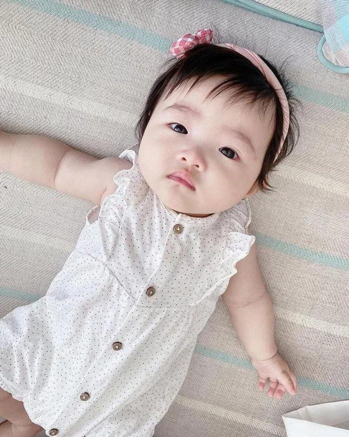 Đông Nhi - Ông Cao Thắng không tiếc tay sắm sửa sành điệu cho con gái Winnie-7