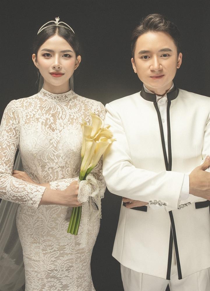 Vợ Phan Mạnh Quỳnh không hài lòng ảnh cưới-1