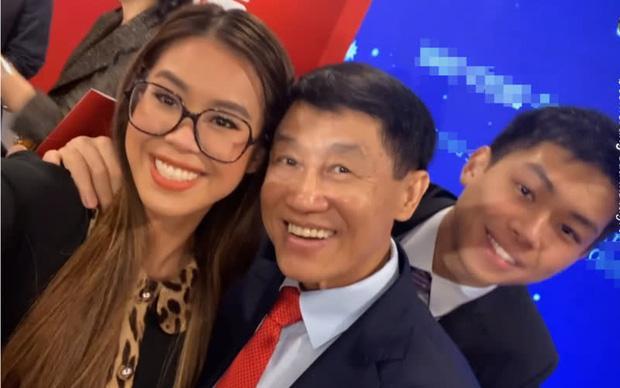 Johnathan Hạnh Nguyễn: Ông bố tỷ phú ngoài nhiều tiền, bên trong ấm áp-8