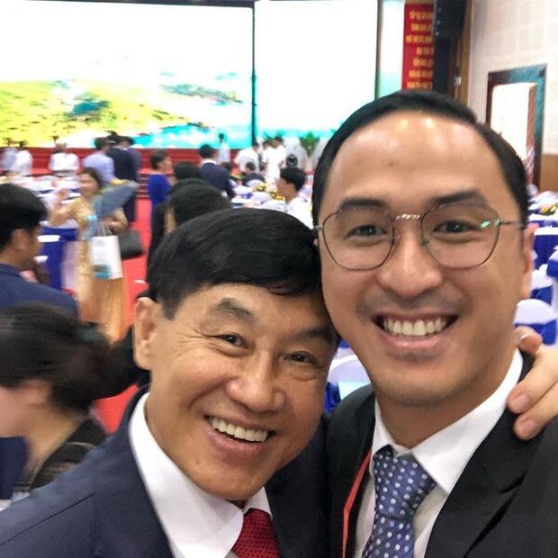 Johnathan Hạnh Nguyễn: Ông bố tỷ phú ngoài nhiều tiền, bên trong ấm áp-9