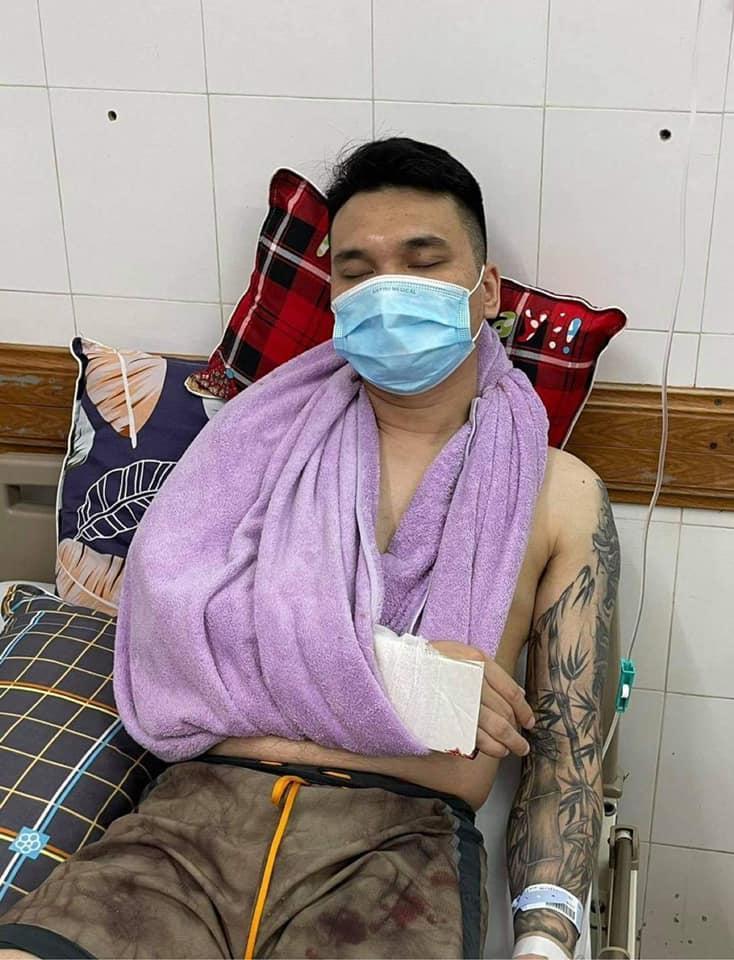 Khắc Việt gặp chấn thương nghiêm trọng, nhập viện cấp cứu-1