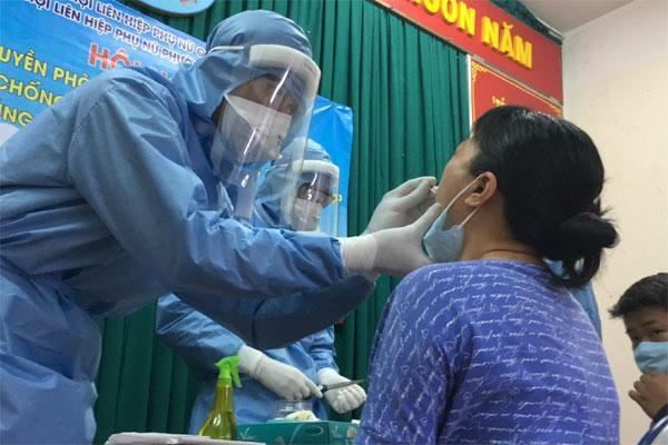 Covid-19: TP.HCM truy vết các trường hợp tiếp xúc 3 người nhập cảnh trái phép từ Campuchia-1