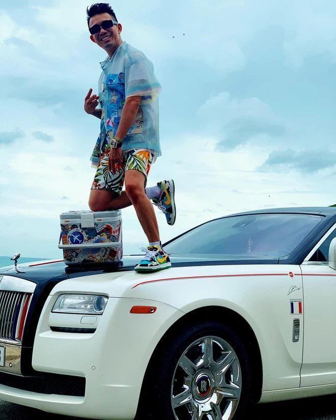 Điểm mặt sao Việt sở hữu xế khủng Rolls-Royce 40 tỷ đồng-10