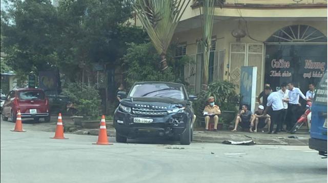 Clip: Đâm nát xe taxi, tài xế Range Rover vẫn tỏ thái độ bề trên-4