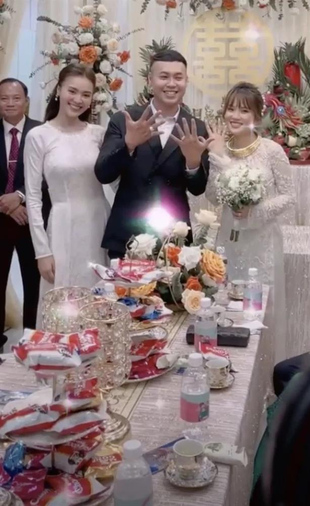 Lan Ngọc diện áo dài đẹp hơn cả cô dâu trong đám cưới em trai-2