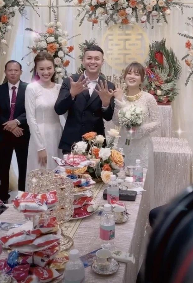 Lan Ngọc diện áo dài đẹp hơn cả cô dâu trong đám cưới em trai-3