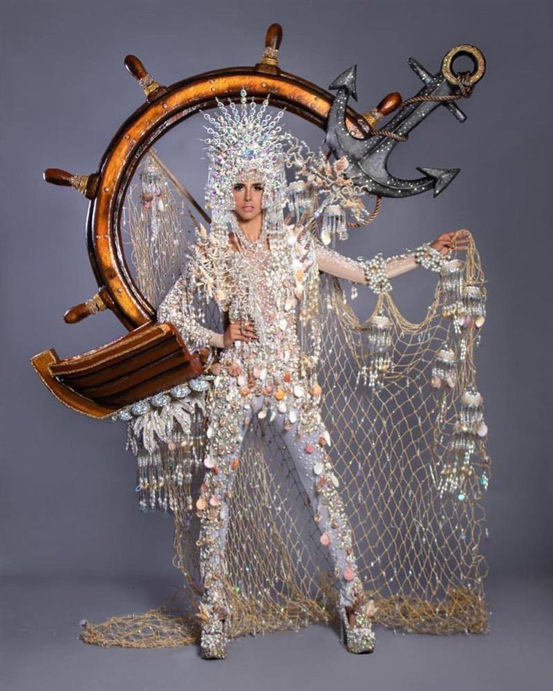 Thí sinh Miss Universe 2020 khoe quốc phục, Khánh Vân có dễ thắng?-5