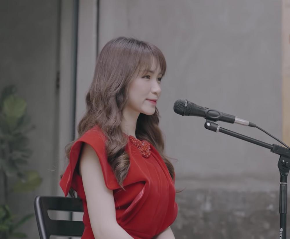 Hòa Minzy cover nhạc phim thời ô kìa, bị nhận xét nắn nót quá đâm mệt-2