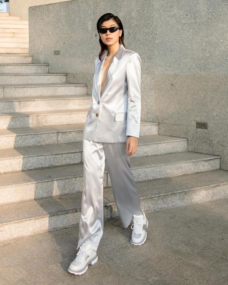 Tiểu Vy diện áo xuyên thấu - Salim mix đồ tập sành điệu dạo phố-4