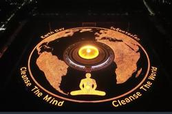 Chùa ở Thái Lan thắp 330.000 ngọn nến lập kỷ lục Guinness