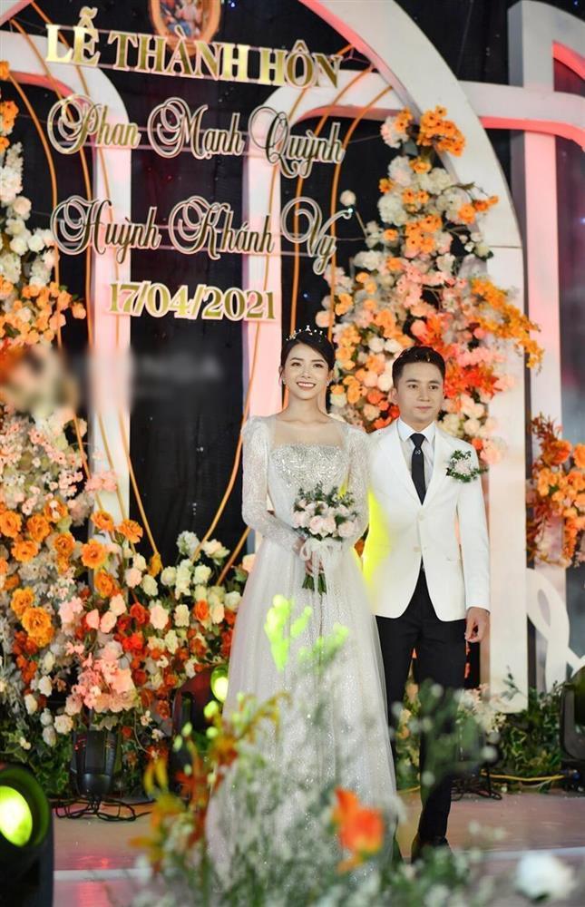 3 lần đám cưới, Phan Mạnh Quỳnh chi 700 triệu cho riêng váy cô dâu-6