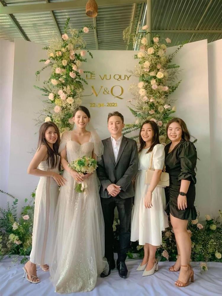 3 lần đám cưới, Phan Mạnh Quỳnh chi 700 triệu cho riêng váy cô dâu-2