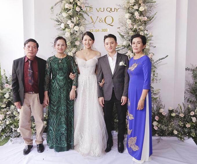3 lần đám cưới, Phan Mạnh Quỳnh chi 700 triệu cho riêng váy cô dâu-4