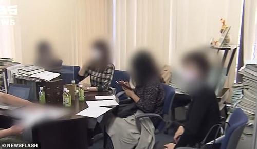 Hẹn hò cùng lúc 35 cô gái, chàng trai 29 tuổi nhận cái kết đắng ngắt-2