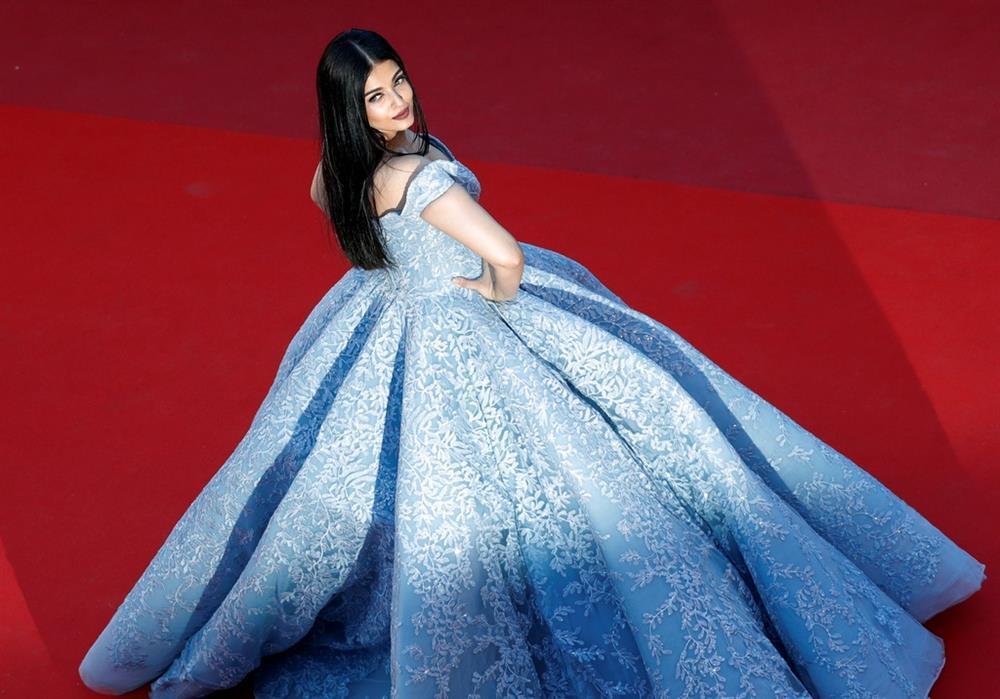 Hoa hậu đẹp nhất mọi thời đại ở đâu trong cơn sóng thần COVID-19 tại Ấn Độ ?-3