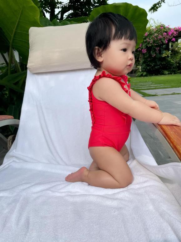 Ái nữ nhà Cường Đô La tung trọn bộ diện áo tắm chào hè, mới 7 tháng tuổi siêu hot!-1