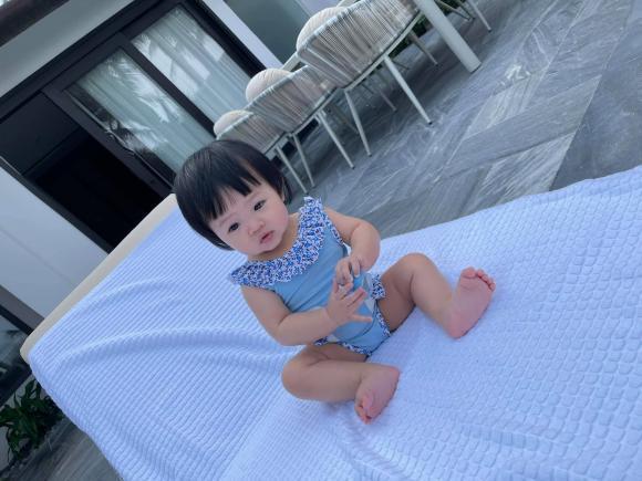 Ái nữ nhà Cường Đô La tung trọn bộ diện áo tắm chào hè, mới 7 tháng tuổi siêu hot!-3