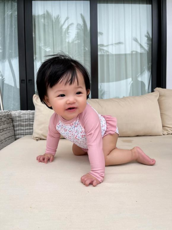 Ái nữ nhà Cường Đô La tung trọn bộ diện áo tắm chào hè, mới 7 tháng tuổi siêu hot!-4