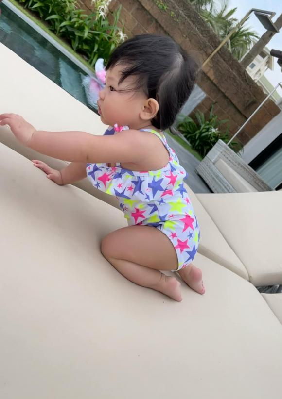 Ái nữ nhà Cường Đô La tung trọn bộ diện áo tắm chào hè, mới 7 tháng tuổi siêu hot!-5