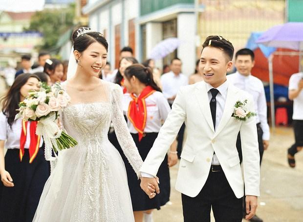 Vợ Phan Mạnh Quỳnh công khai gã trai gạ tình bằng biệt thự 92 tỷ-5
