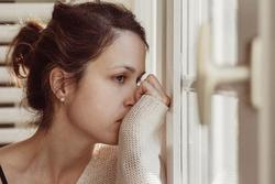 Chiêu trị chồng ngoại tình nghe thôi đã 'lạnh gáy': Bỏ ra hơn 300 nghìn mua thuốc khiến đàn ông liệt dương