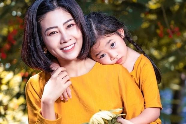 Ốc Thanh Vân hé lộ cuộc sống bé Lavie: Không dám nhìn vào mắt vì con giống Mai Phương-5