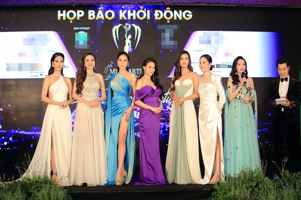 Hoa hậu Trái đất Phương Khánh như cô bé đi lạc giữa rừng mỹ nhân-1