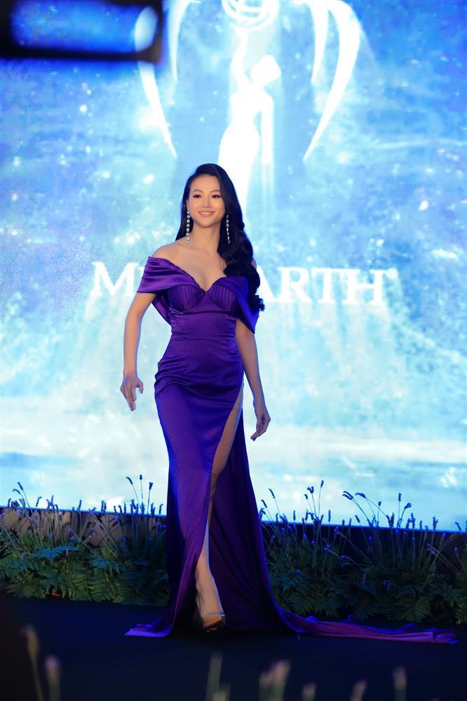 Hoa hậu Trái đất Phương Khánh như cô bé đi lạc giữa rừng mỹ nhân-4