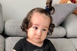 'Muốn xỉu' với vẻ mặt hờn dỗi của con trai Hoàng Oanh