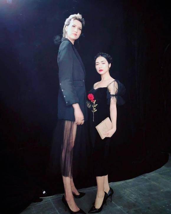 Hòa Minzy rơi vào thảm cảnh khi chạm mặt hoa hậu Diễm Hương-5