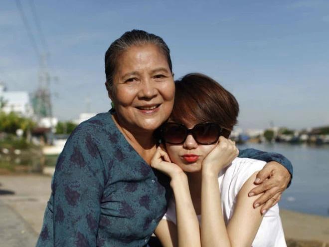NSƯT Lê Thiện - người bà trong loạt phim nổi tiếng Việt Nam bị ngã nứt xương-1