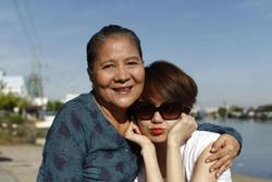 NSƯT Lê Thiện - người bà trong loạt phim nổi tiếng Việt Nam bị ngã nứt xương
