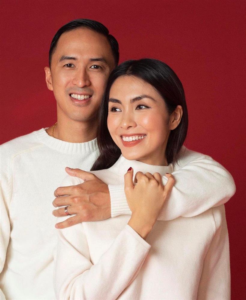Louis Nguyễn - Tăng Thanh Hà gây sốt với ảnh trao nhận sính lễ-6