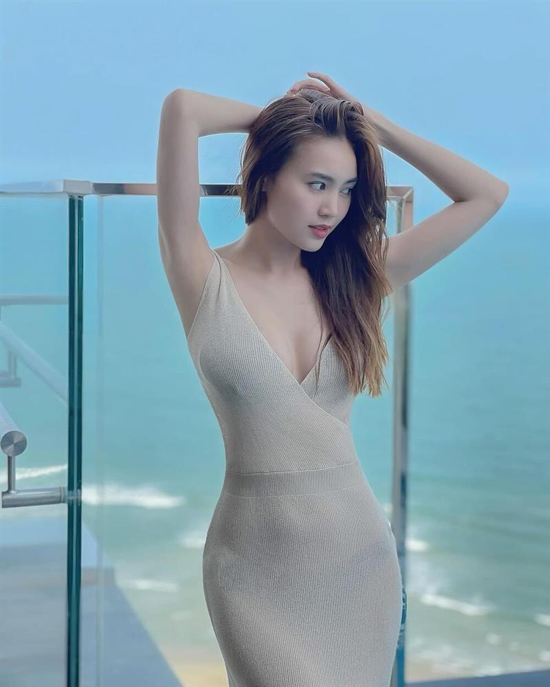 Ninh Dương Lan Ngọc diện đầm xuyên thấu nội y mà không hề bị fan chê phản cảm-1