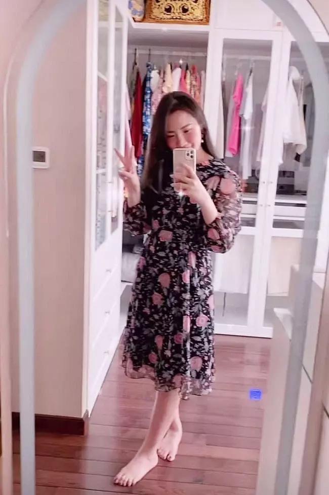 Chẳng thèm che chắn nữa, vợ Phan Thành lộ diện với bụng bầu tròn vo?-2