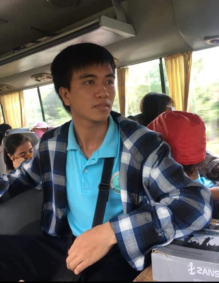 Xót xa tang lễ nam sinh Nghệ An tử vong sau khi cứu 4 cô gái tắm biển ở Huế-5