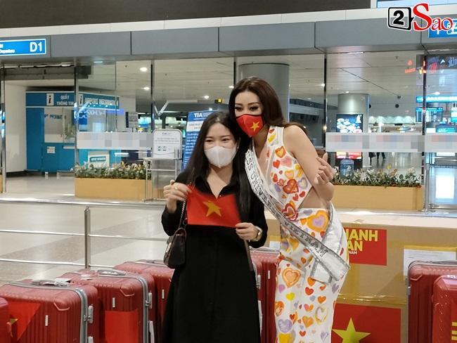 Khánh Vân ghi điểm tuyệt đối khi lên đường thi Miss Universe 2020-2