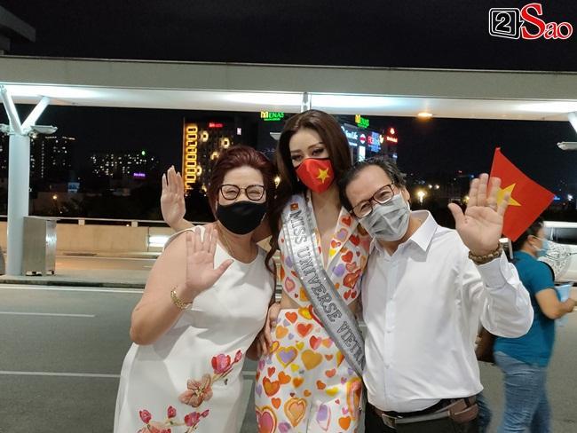 Khánh Vân ghi điểm tuyệt đối khi lên đường thi Miss Universe 2020-9
