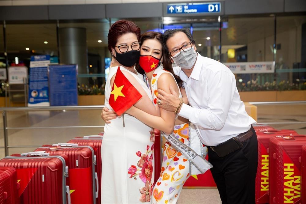 Bố mẹ Khánh Vân: Con làm được điều chúng tôi chưa làm được-2