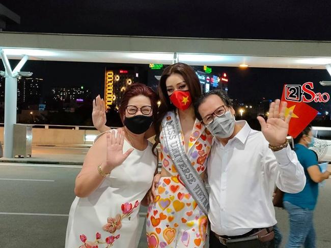 Bố mẹ Khánh Vân: Con làm được điều chúng tôi chưa làm được-4