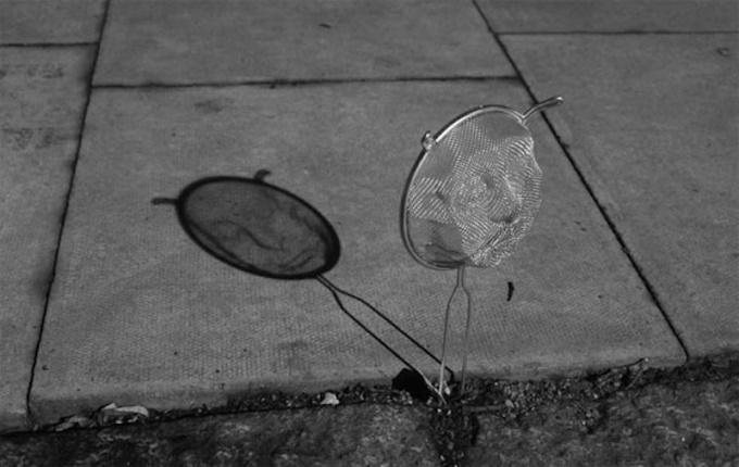 Những cái bóng phản chiếu còn muốn trêu đùa bạn thì nói gì đến tình cảm-12
