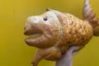 Xông xáo vào bếp làm bánh mì mà như 'tiên cá heo', ai nhìn xong cũng chỉ biết cười
