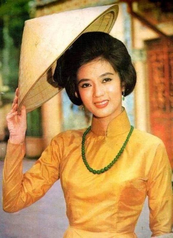 Ngắm nhan sắc trời ban và cuộc đời thăng trầm của tứ đại mỹ nhân Sài Gòn-6