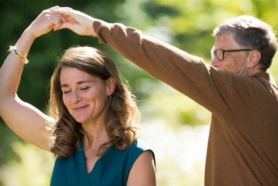 3 thập kỷ bên nhau của vợ chồng Bill Gates: Chủ tịch và nhân viên chia tay trong tiếc nuối-4