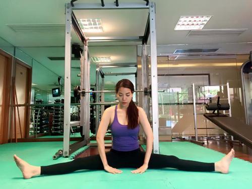 Bí kíp hack body hấp dẫn níu chân tình trẻ của Trương Ngọc Ánh-10