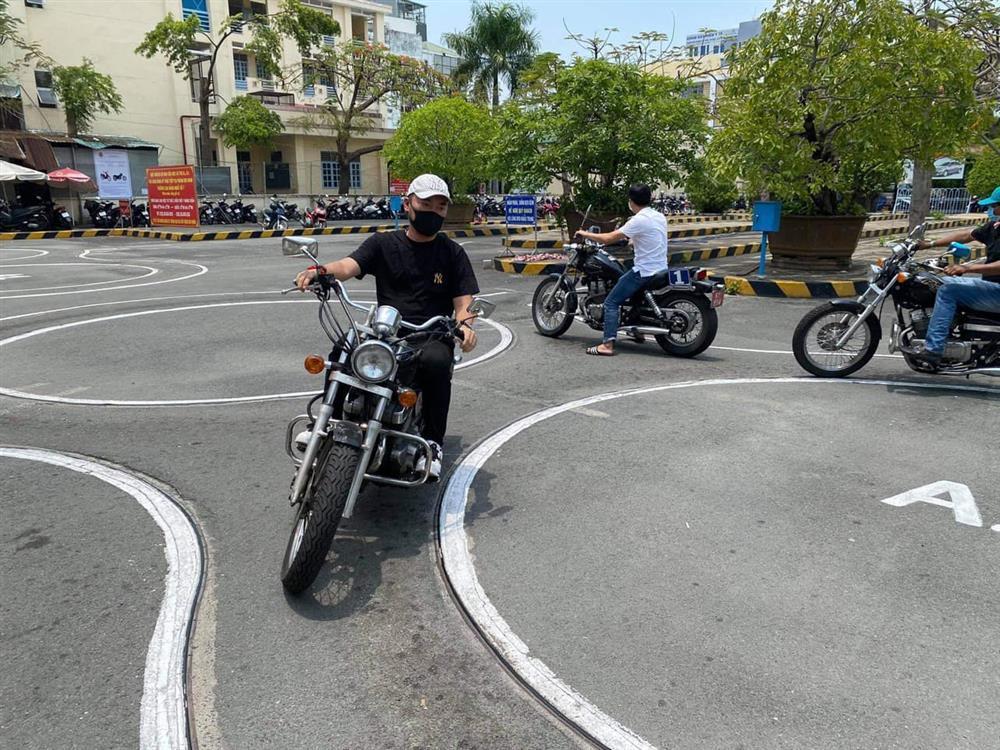 Cầu Tiến Luật thi trượt bằng lái xe, Thu Trang nhận cái kết quá chát-3