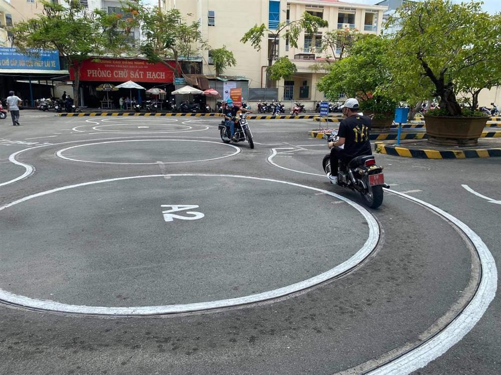 Cầu Tiến Luật thi trượt bằng lái xe, Thu Trang nhận cái kết quá chát-2