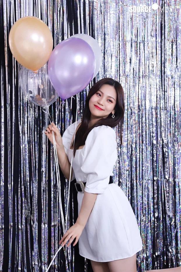 Nữ idol xấu nhất lịch sử Kpop thăng hạng ngoạn mục chỉ nhờ... đổi dáng lông mày-10