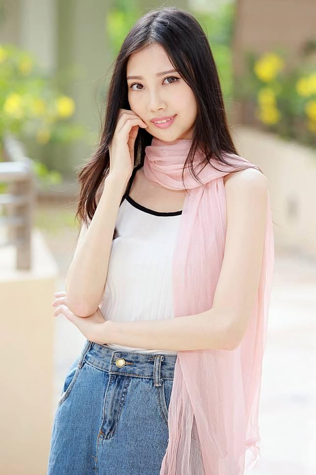 Nữ ca sĩ Hong Kong qua đời ở tuổi 31-1